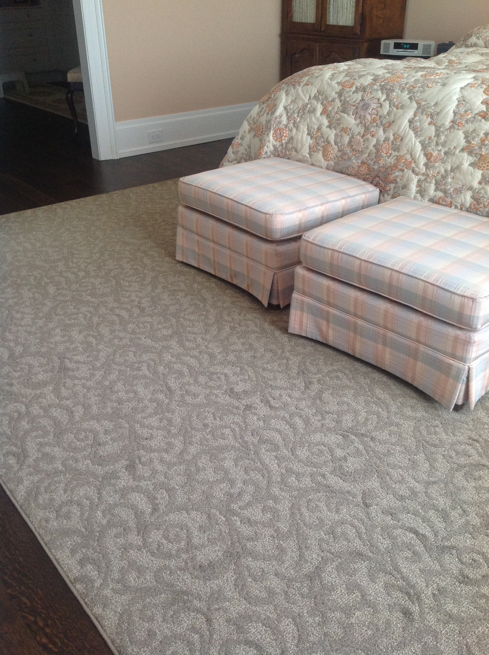 How to choose an area rug for your home tony 39 s flooring for How to choose flooring for your home